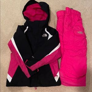 Toddler girl The North Face snowsuit, size 5